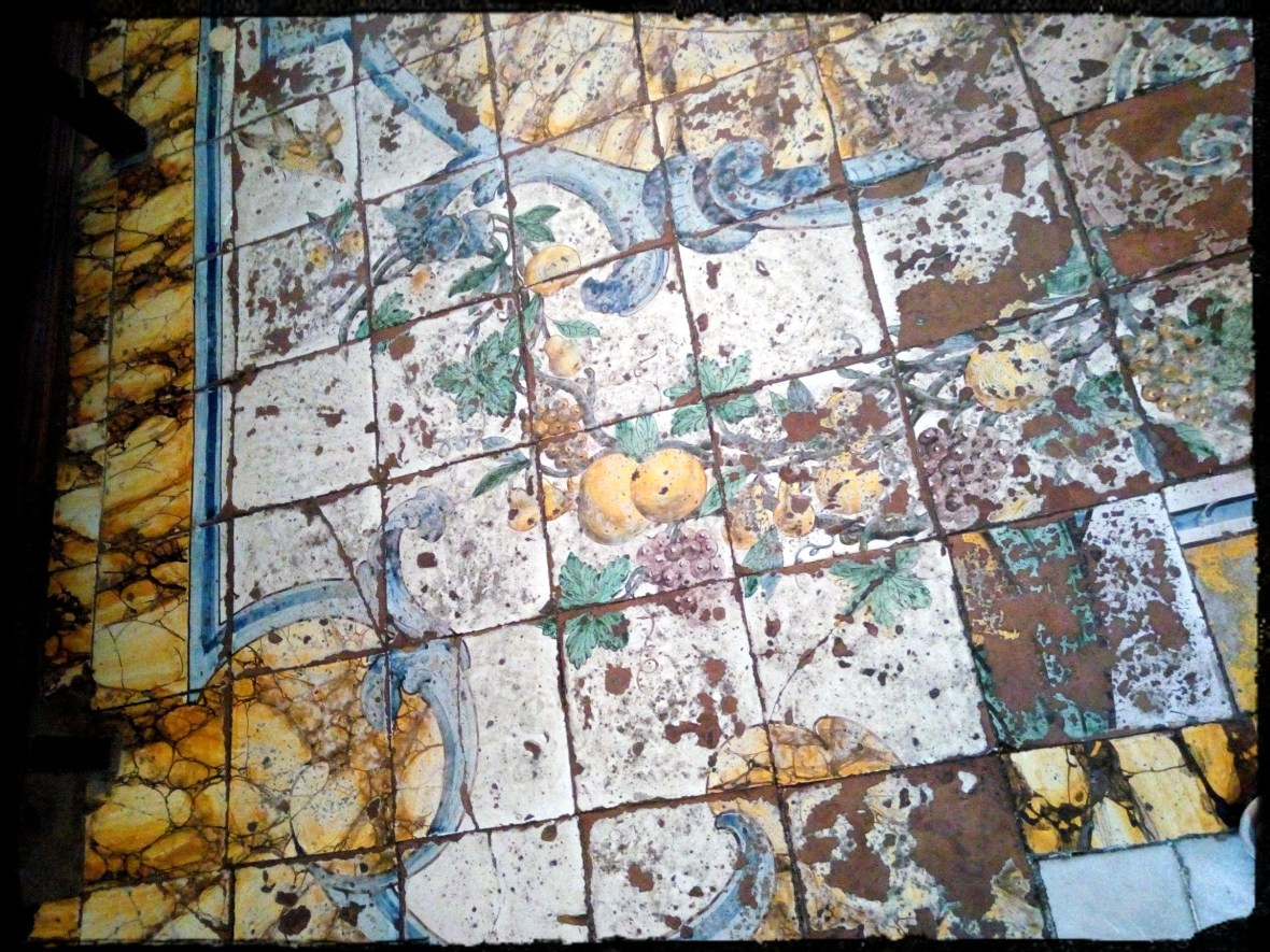 Ancient ceramic tales of a pavement