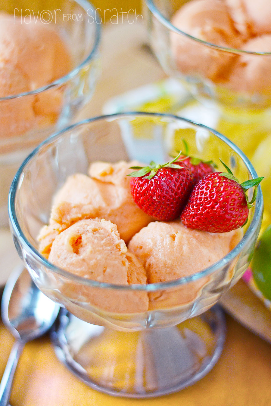 Strawberries with sugar. Freeze sorbet yourself