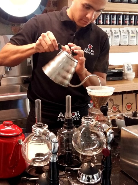 Barista champion brewing coffee at Amor Perfecto