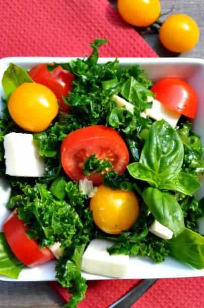 Kale Caprese Salad with Fresh Mozzarella  www.flavourandsavour.com #kalesalad #caprese #freshmozza