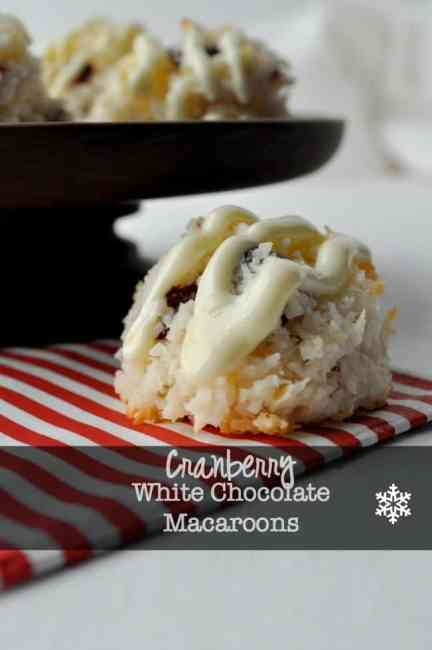 Cranberry Macaroons with White Chocolate Drizzle |www.flavourandsavour.com