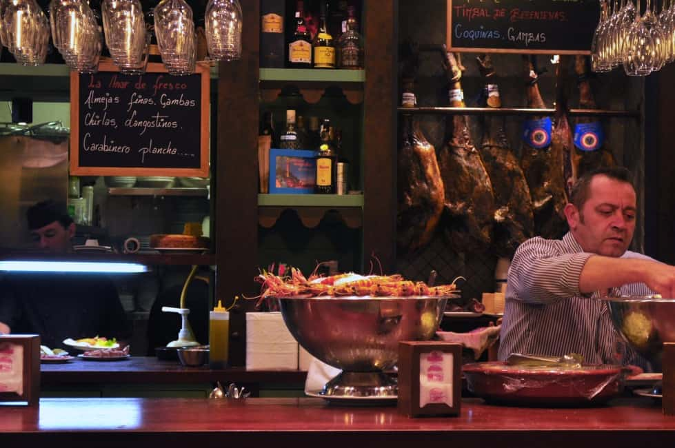 Tortilla Española and tapa bars in Spain |www.flavourandsavour.com