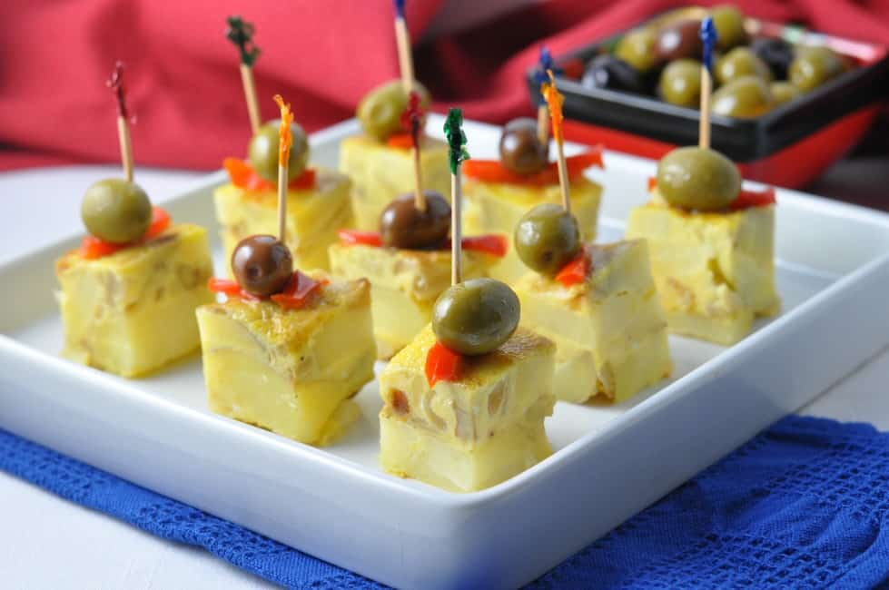 Tortilla Española, Spanish tapas |www.flavourandsavour.com