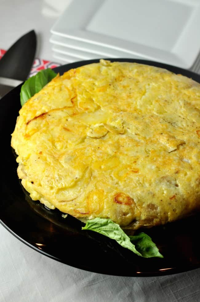 Tortilla Española. A simple Spanish omelette to serve at a tapa party. |www.flavourandsavour.com