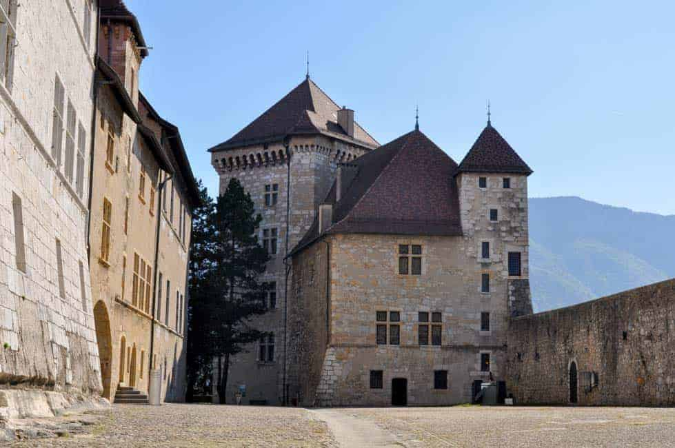 6 Things to Do in Annecy, France. Travel tips and suggestions for activities, restaurants and accommodation. |www.flavourandsavour.com
