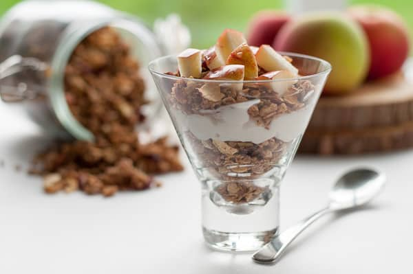 Healthy Wholesome Apple Cinnamon Granola. Use this easy guide to make your own granola at home. |www.flavourandsavour.com