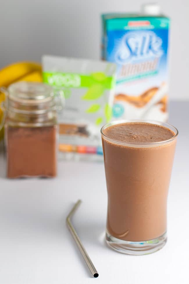 Chunky Monkey Chocolate Smoothie made with banana, cocoa, peanut butter and plant-based powder. #ad #SilkSummerofSmoothies |www.flavourandsavour.com