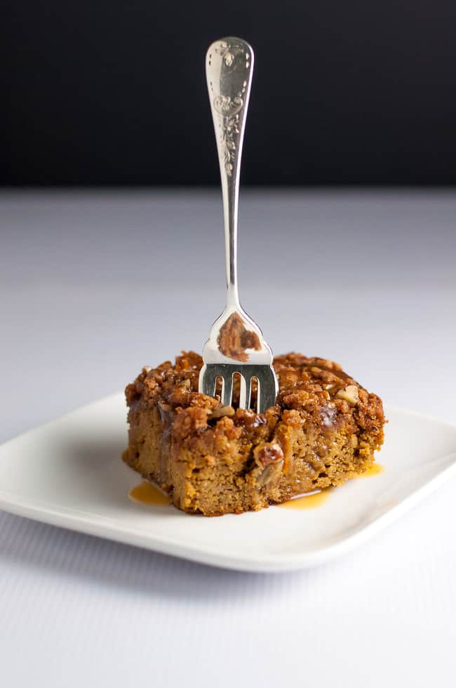 This Pumpkin Pecan Caramel Coffee Cake is topped with crunchy pecans and drizzled with caramel sauce. Made with almond flour, it's gluten-free and paleo! A perfect clean-eating fall snack cake or dessert. |www.flavourandsavour.com