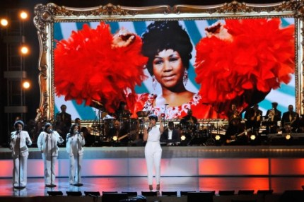 020814-shows-honors-show-highlights-jennifer-hudson-performs-2