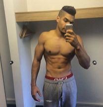 sexy-selfie-instagram-louis-smith