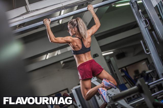 Chelsea Dyson fitness model 5