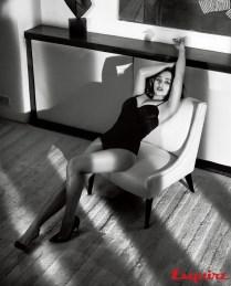 Emilia-Clarke-Esquire-November-2015-Cover-Photoshoot02
