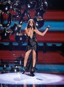 fashion-show-2015-musical-performer-selena-gomez-3-victorias-secret