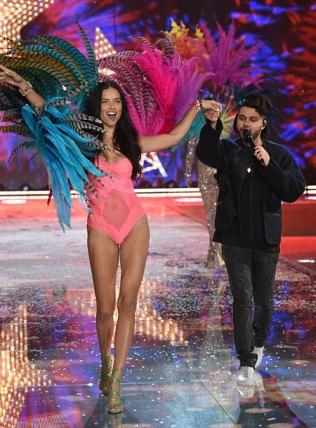fashion-show-2015-musical-performer-the-weeknd-1-victorias-secret