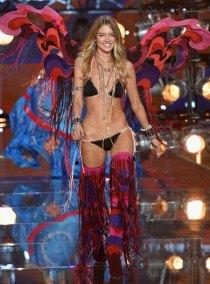 fashion-show-runway-2015-boho-psychadelic-martha-look-7-victorias-secret