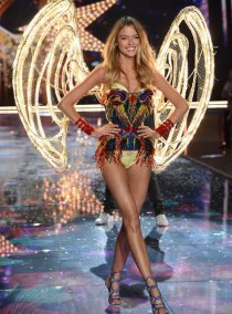 fashion-show-runway-2015-fireworks-martha-look-11-victorias-secret