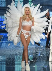 fashion-show-runway-2015-ice-angels-lily-look-9-victorias-secret