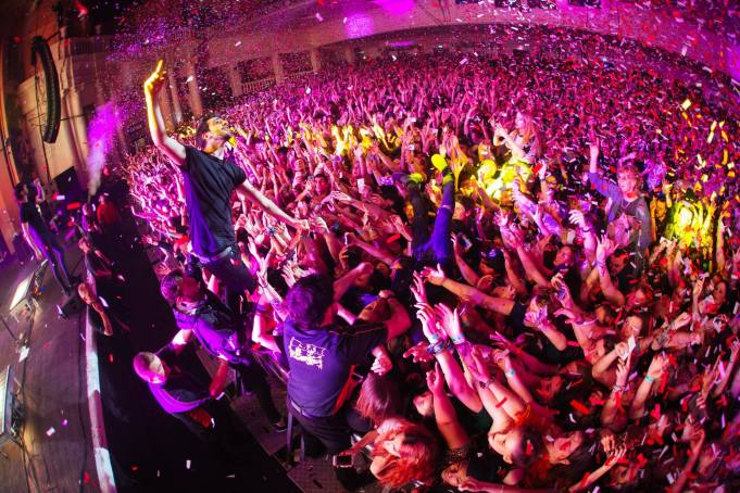 all time low performing at London