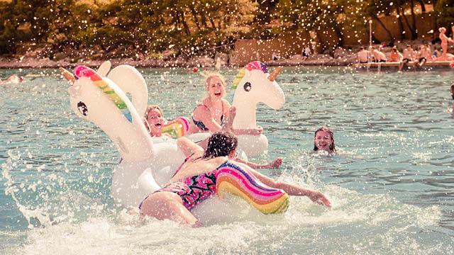 Soundwave - splashes and unicorns
