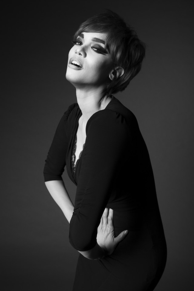 Tara Banks as Linda Evanglista