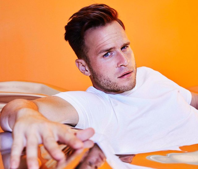 Olly Murs - credit Crowns and Owls low