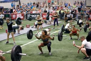 CrossFitPhoto3_MustCredit_WomenSquats