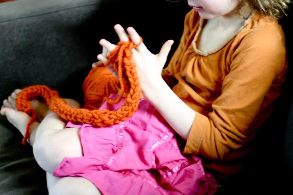 91537e5d78e Finger Knitting How-to - Flax & Twine