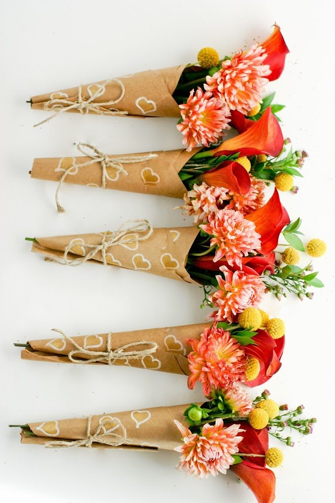 Spread Some Surprise Love - How to Wrap A Mini-Bouquet of Thanks DIY ...