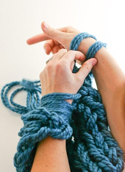 Arm Knitting How-To Photo Tutorial // Part 3: Binding Off