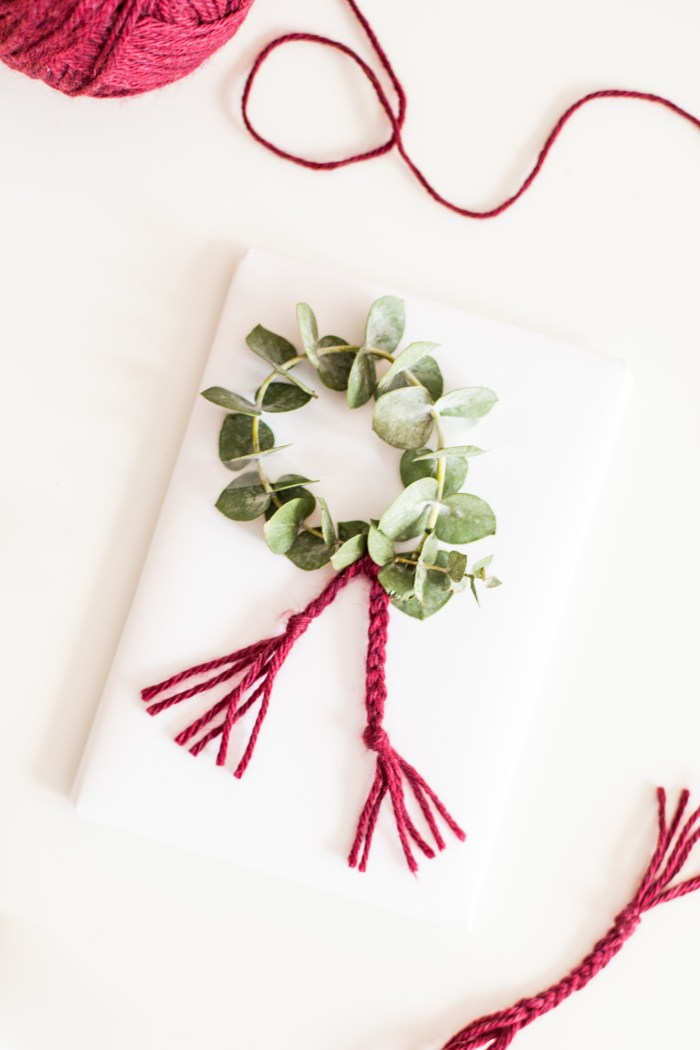 DIY Wreath Gift Wrap