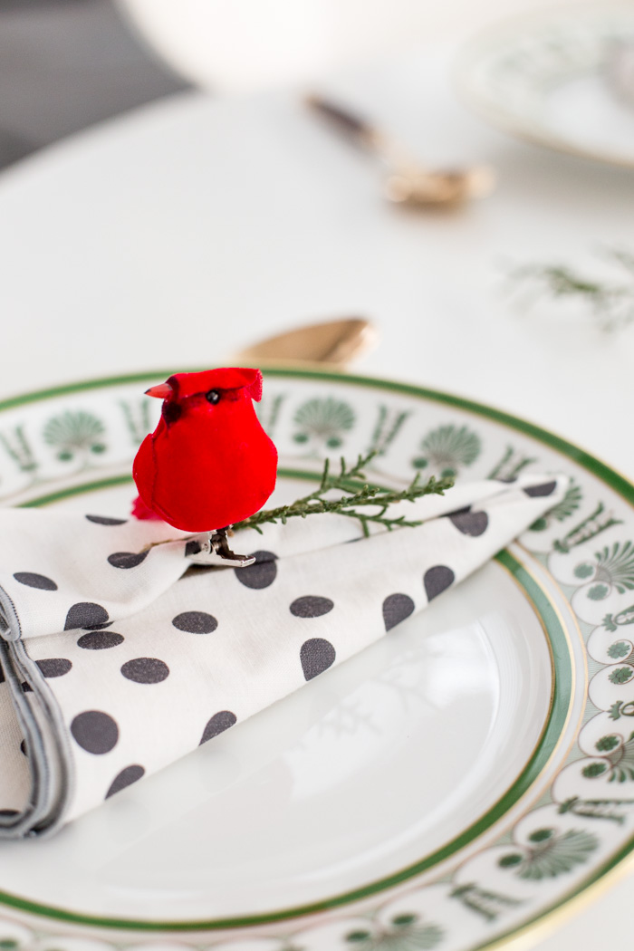 Easy Last Minute Holiday Table Setting by Anne Weil of Flax & Twine