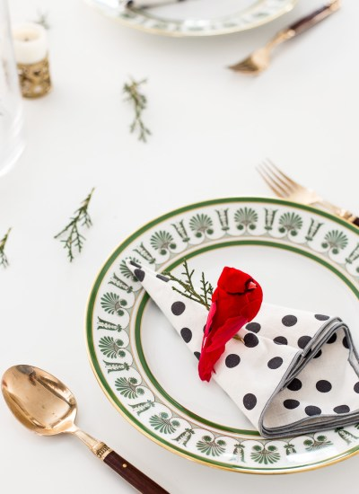 Easy Last Minute Holiday Table Setting DIY