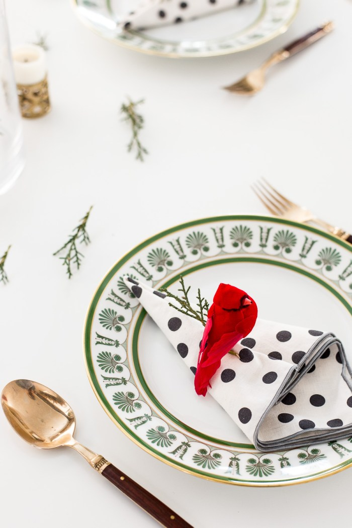 Easy and Last Minute Holiday Table Setting by Anne Weil of Flax & Twine