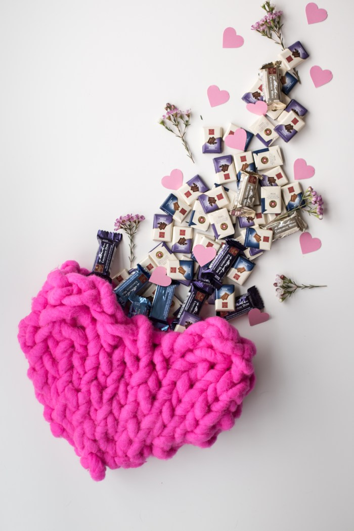 Free Giant Knit Heart Pattern Makes Great Pouch For Valentines
