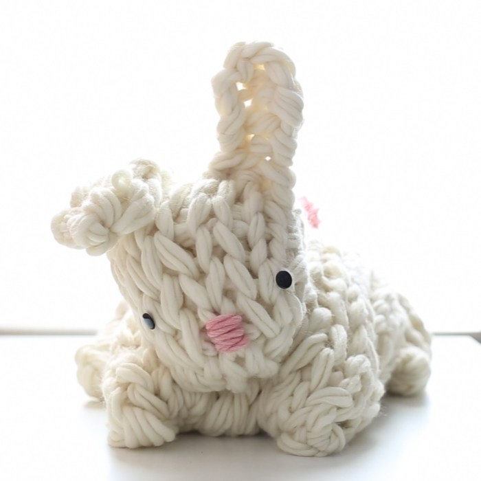 A Giant Arm Knit Bunny Video Tutorial! Step-by-Step!!