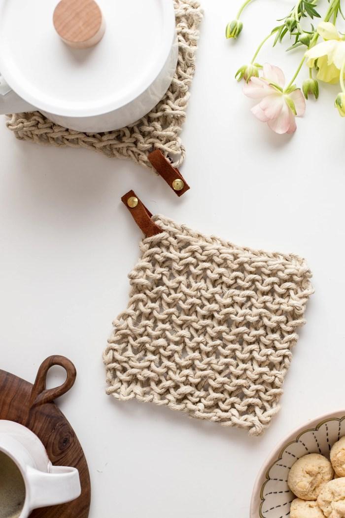 Knit Twine Potholder Pattern by Anne Weil of Flax & Twine