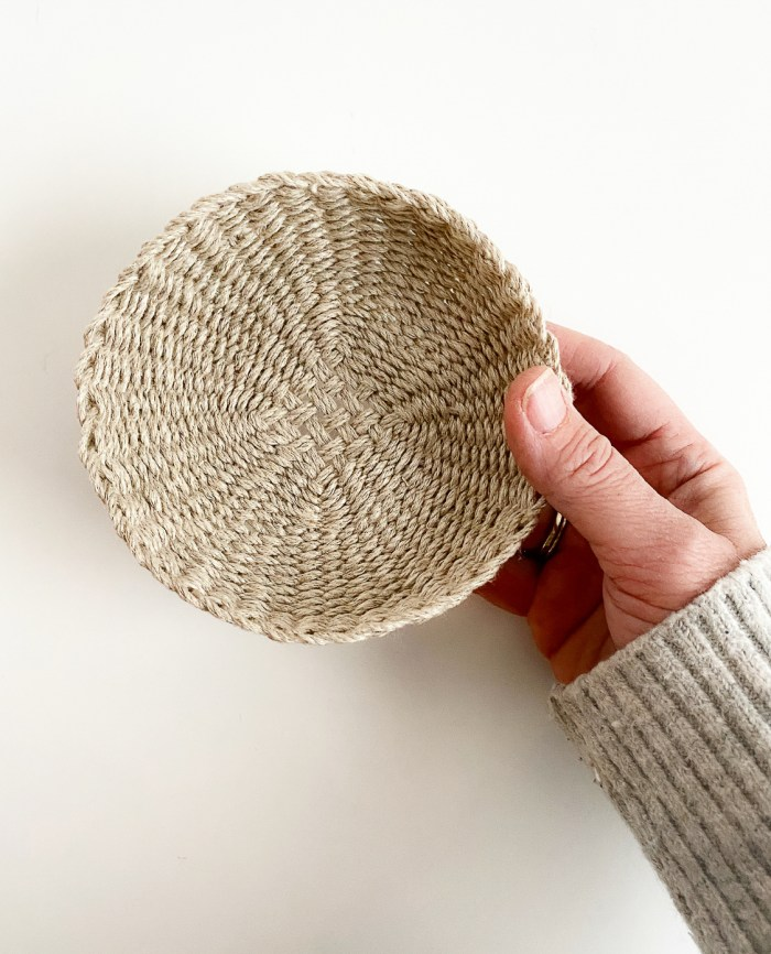 Beginner Basket Weaving Kit - Twined Linen Cord Dish
