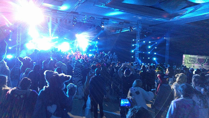 Midwest Furfest Usurps Anthrocon S Record And Becomes The World S Largest Furry Convention Flayrah