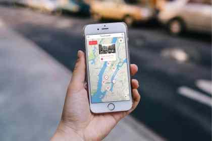 Fleamapket-photo-phone-NYC2