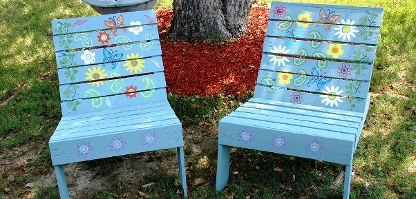 Sherry's pallet chairs