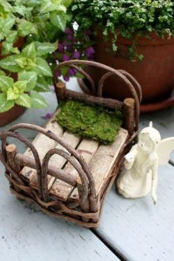 Joni Eades' miniature fairy bed