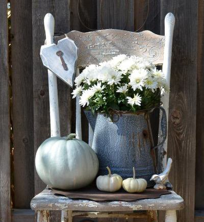Marie's ghostly gourds and graniteware
