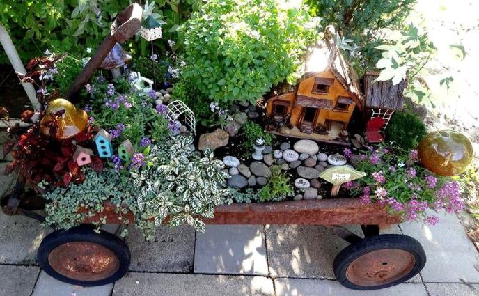 Jean's wonderful wagon fairy garden