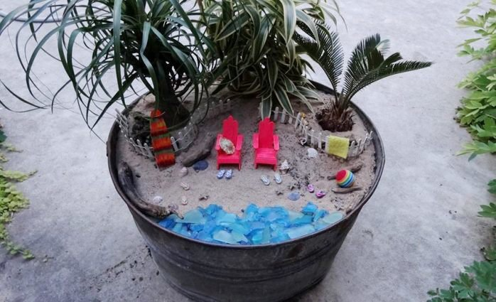 Superb Choosing A Fun Theme For A Miniature Fairy Garden. Jeanu0027s Beach Garden