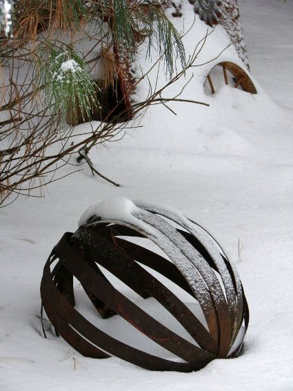 Jeanne Sammons's barrel rings in the snow