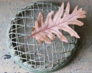 Vintage wire frog