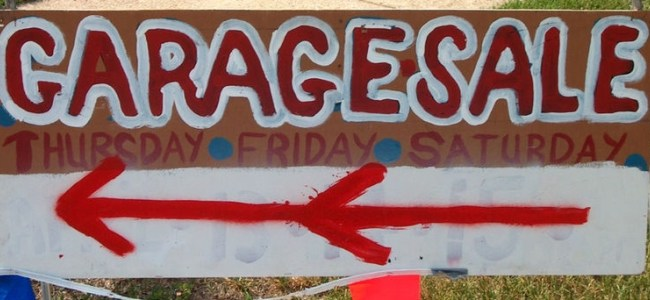 Garage sale signs-featured