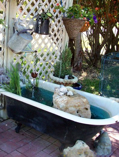 Donna Dunn's cool garden tub