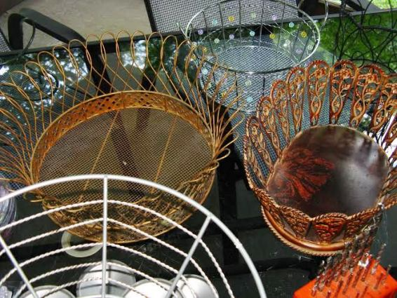 Many wire baskets to choose from to make the top