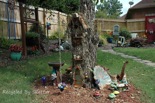 Sherry's miniature tree house from a stump